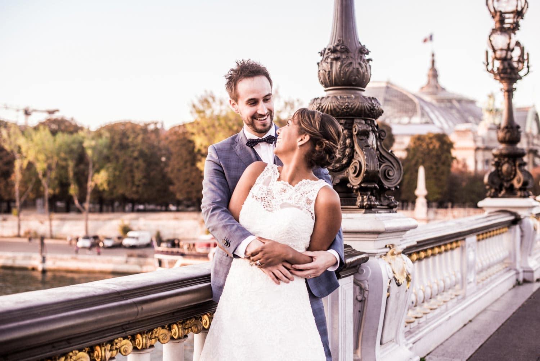 Photo sur le pont Alexandre III à Paris