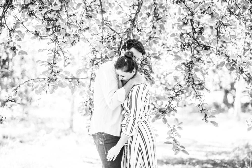 Séance de couple en extérieur