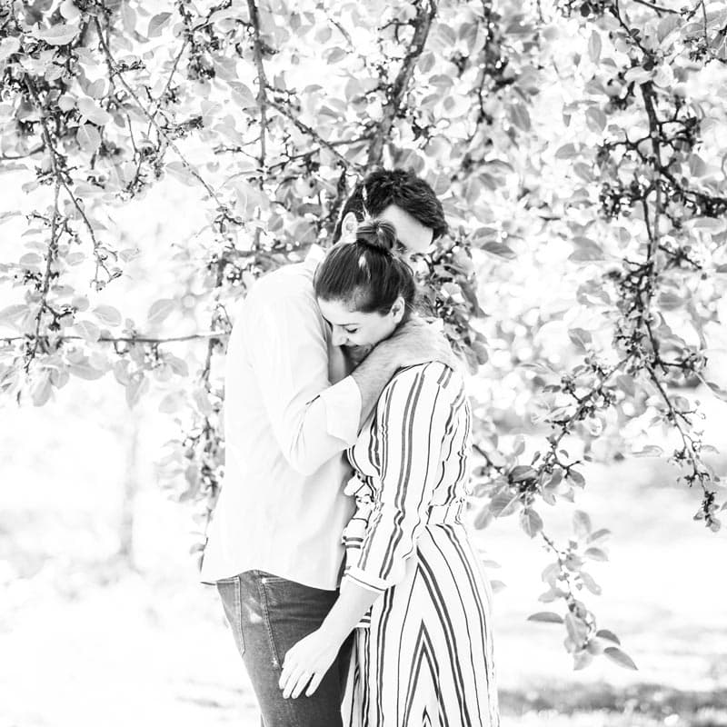 Shooting expérience client, photo de couple extérieur
