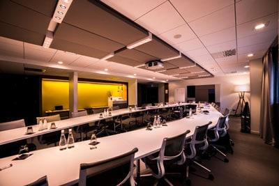RM Mobilier, salle de réunion Novotel