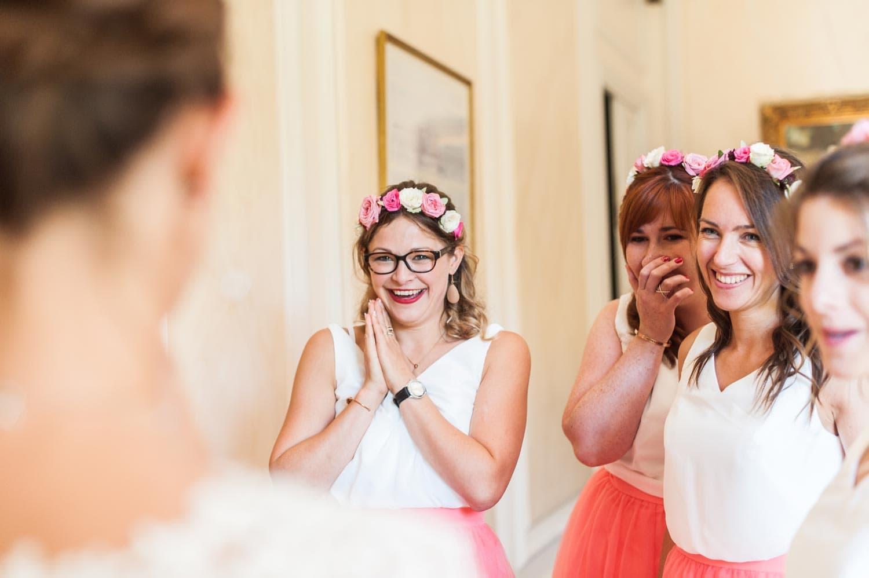 Découverte de la robe de la mariée