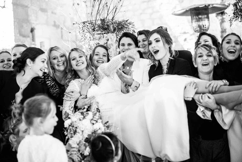 Photo de groupe de la mariée, vin d'honneur