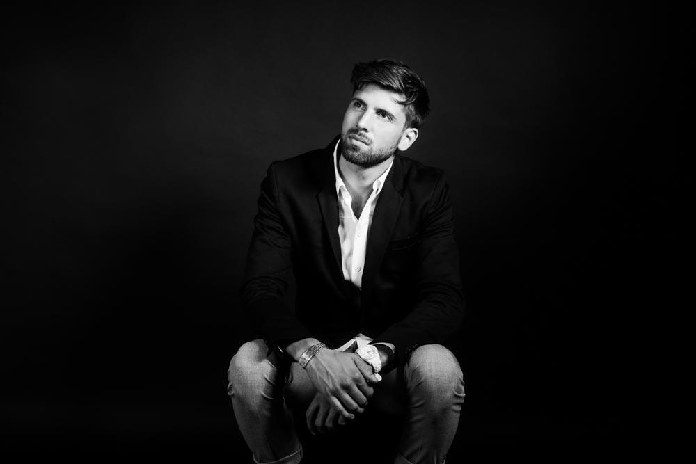 Portrait masculin en studio